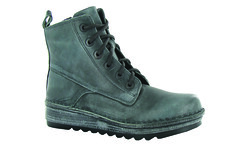 "Naot Gazania boot smoke • <a style=""font-size:0.8em;"" href=""http://www.flickr.com/photos/65413117@N03/30131915325/"" target=""_blank"">View on Flickr</a>"
