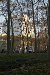 IMG_4030 (ad454) Tags: newyorkcity newyork fall brooklyn streetphotography brooklynheights lateafternoon uscourthouse downtownbrooklyn cadmanplaza tillarystreet cadmanplazapark