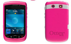 Otterbox Goes Pink for BlackBerry Torch 9800