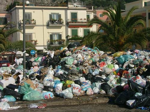 naples-waste
