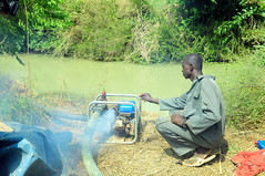 Naakpi pumps water from the river