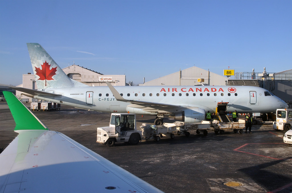 The world 39 s best photos of cabin and erj flickr hive mind for Air canada pet in cabin