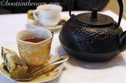 We stuck with tea for dessert.