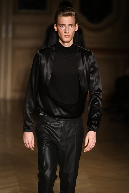 Clement Soulas3085_FW09_Paris_Francisco Van Benthum_HQ(frillr via faget@Bellazon)