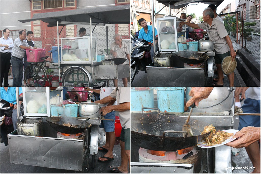 Siam Road- Charcoal Char Koay Teow - In Action