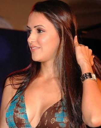 Riya Sen Hot Wallpapers 2010. Hot sexy neha dhupia