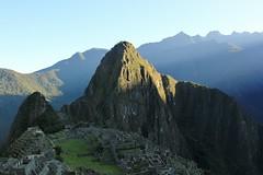 Machu Picchu at sunrise (zug55) Tags: peru inca sunrise landscape ruins paisaje perú inka unescoworldheritagesite unesco worldheritagesite ruinas machupicchu sacredvalley precolumbian huaynapicchu waynapicchu vallesagrado precolombino patrimoniodelahumanidad santuariohistóricodemachupicchu heritagesite6528