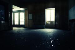 La vieja estacin (La mirada de Gema) Tags: paisajes ro tren navidad barco nieve pueblo ciudad espejo alemania autorretrato abandono andn rhin kaub klobenz