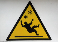 Beware the ninja trap (tommyajohansson) Tags: black sign yellow easilyamused hazard warningsign stickfigureinperil faved blackandyellow tommyajohansson snowandicehazard bewaretheninjatrap