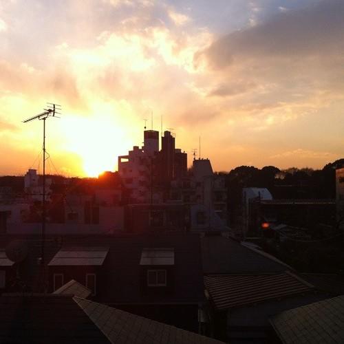 きょうの夕日(オフィスから)