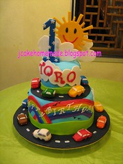 Car birthday cake (Jcakehomemade) Tags: cars sunshine happy rainbow childrenbirthdaycake jcakehomemade carthemebirthdaycake transportationbirthdaycake 1stbirthdaycakeparty funcustommadecake torosbirthdaycake