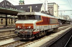 15022  Luxembourg  30.08.93 (w. + h. brutzer) Tags: france analog train nikon frankreich eisenbahn railway zug trains locomotive luxembourg sncf lokomotive 15000 elok eisenbahnen eloks webru