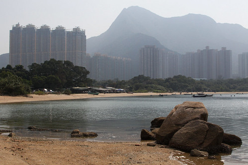 Looking over the bay towards the village, the new developments of Wu Kai Sha in the background, then Ma On Shan (the mountain, not the town)