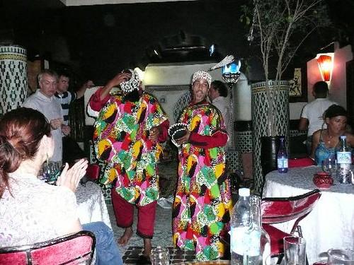 danseurs-gnaoua-soiree