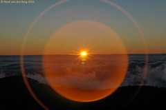 lens flare study (photomagix by Ren) Tags: sunset espaa zonsondergang spain gran canaria puestasol puestadelsol pozodelasnieves