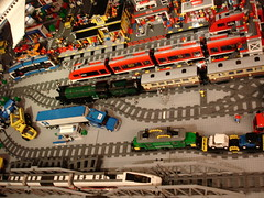 Tracklayout LegoSjaaks Stationarea (LegoSjaak) Tags: city night train layout town lego zug rails bahn emerald tracklayout stad trein spoor 10219 7938 7939 10194 legosjaaks