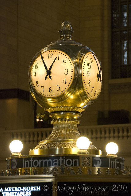 d9 grand central clock