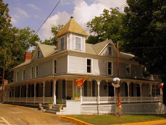 Shepard's Inn - Dandridge, TN
