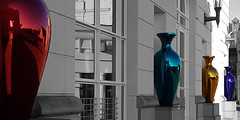 Vase outside of Luxembourg court (LeBlanc_Nigel) Tags: red green blue gold vase court building justice luxembourg art black white