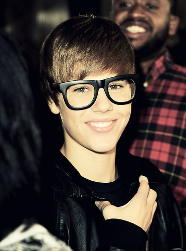 pics of justin bieber with glasses. justin bieber nerd glasses