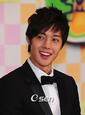 "Kim Hyun Joong: Prefers ""Gopchang"" Over Steak"