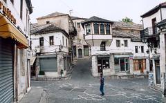 Albánie – Hornatá cesta do Gjirokastry
