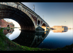 Reflets du Pont-Neuf 2.0 (Audrey Meffray) Tags: bridge canon reflections pont toulouse 8mm reflets hdr pontneuf hautegaronne samyang 450d canon450d samyang8mmfisheye samyang8mm