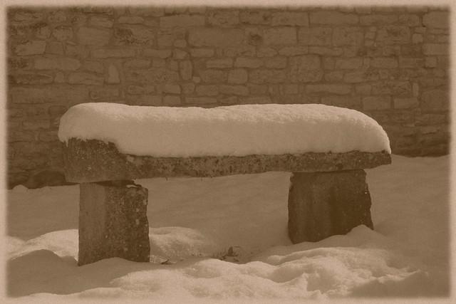 yonne sennevoy le bas banc neige effet vieille photo