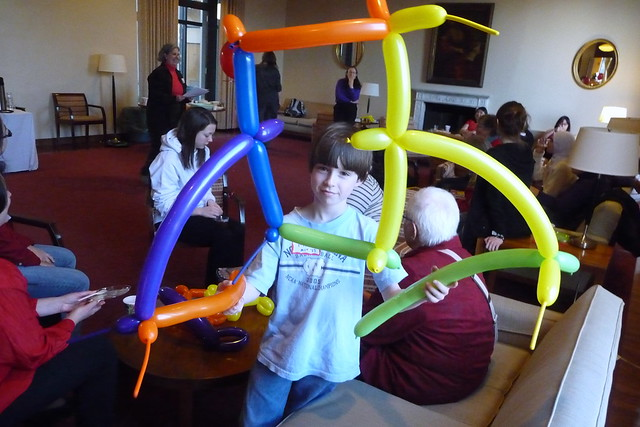 Abstract balloon frame