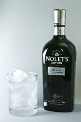 Nolets_gin_chicago_product_photography (Brad Taylor Photographic) Tags: alcohol gin productphoto strobist noletsgin