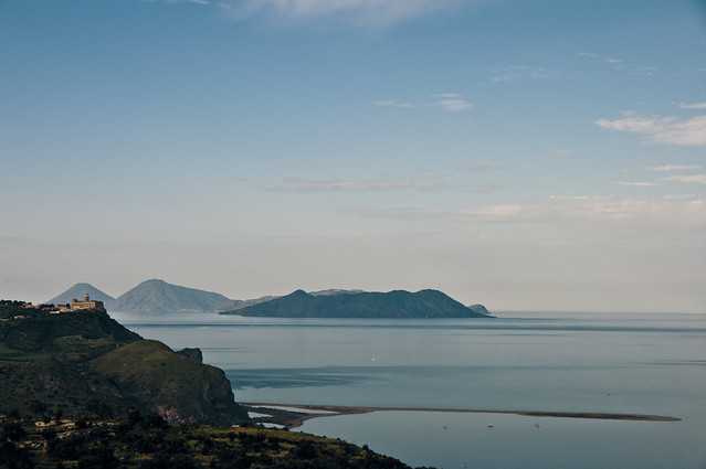 Tindari - Laghetti di Marinello - Isole Eolie :)