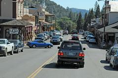 Small Town California. (tramsteer) Tags: street usa transport roadtrip yosemite suv smalltownamerica nikond300 alltypesoftransport tramsteer