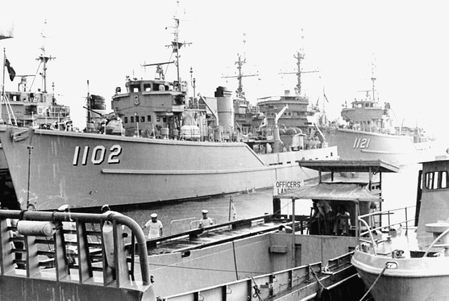 TON CLASS SELECTIONS 1967 - HMAS Snipe and HMAS Curlew still on  standby Singapore after Confrontation - Photo RAN Official by Kookaburra2011