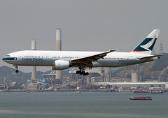 Boeing | 777-267 | Cathay Pacific Airways | B-HNL | Hong Kong | HKG | VHHH (Christian Junker | PHOTOGRAPHY) Tags: china plane canon hongkong eos airport asia aviation cx landing airline landinggear 7d boeing hkg 100400mm sar cathaypacific planespotting cheklapkok cpa b777 triple7 b772 b777200 vhhh 25r bhnl specialplane b777267 271161