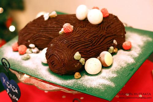Fıstıklı ve Sultani Lokumlu Kütük Pasta / Buche de Noel