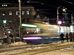 All aboard (dubbelt_halvslag) Tags: longexposure winter light house snow ice canon gteborg long exposure raw traffic sweden schweden gothenburg tracks tram explore sverige scandinavia sn commuters sprvagn trikk vstkusten kollektivtrafik g10 explored trikken strasenbahn lngexponeringstid