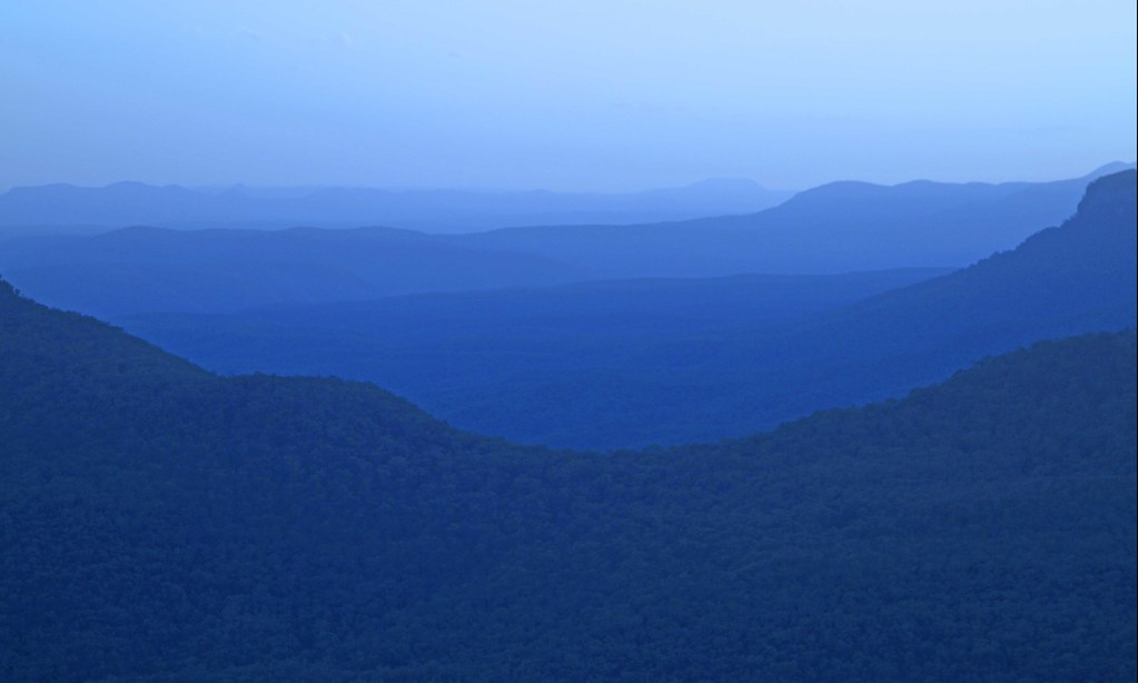 Blue Mountains @ dusk