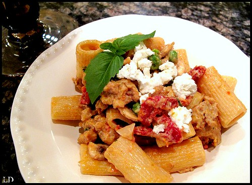 rigatoni with sausage and goat cheese1
