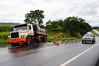 SAU_9880 (Saulo Cruz) Tags: road brasília truck br accident pad estrada slip goiânia ongeluk acidente 060 caminhão slipped slippage glip escorregar derrapagem escorregou vragmotor gegly