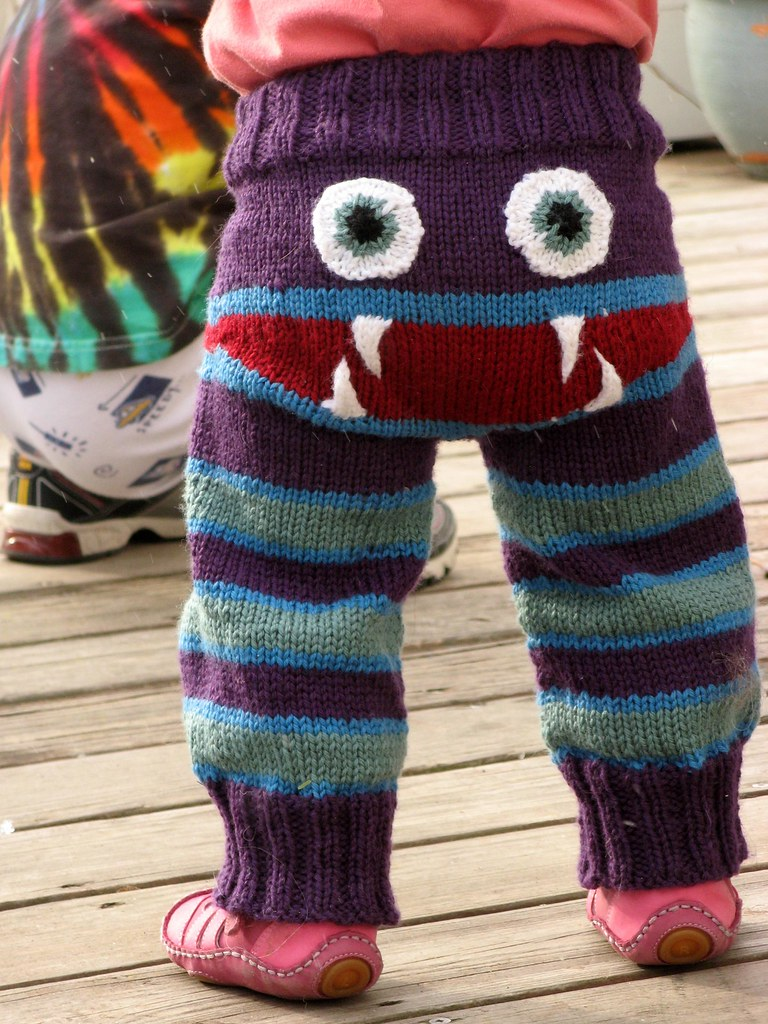 Knit a Pair of Monster Bum Pants! FREE PATTERN!