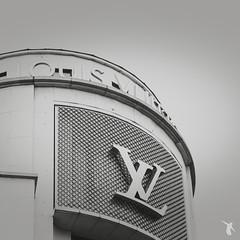 - louis vuitton - (Franz-Renan Joly) Tags: city bw white black paris france building architecture de louis day view arc triomphe nb jour 75 et blanc vue btiment vuitton ville noire le