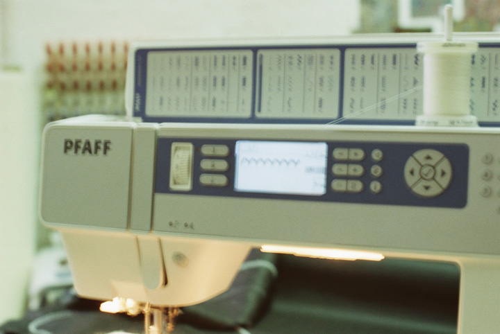 embroidery_machine_1