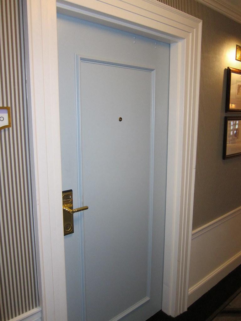 Door, Carolina Inn