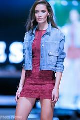 Festival mode & design 2016 (photolenvol) Tags: fmd festivalmodedesign placedesfestivals quartierdesspectacles guess jeans denim manequin modele defile runways