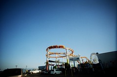 (golfpunkgirl) Tags: stamonica santamonicapier beach la cali sunny sand lcwide 17mm lomo lomography film lomo400film negfilm travel holiday roadtrip ava may2016