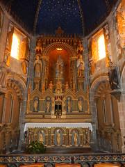 Ornate altar, Church of St. Nicolas, Barfleur (Beth M527) Tags: manche france 2016 lowernormandy bassenormandie barfleur churches housesofgod altars