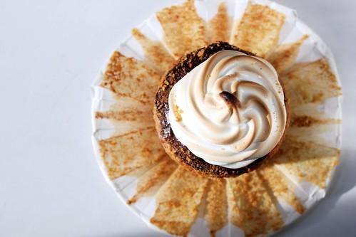 s'mores cupcake sun