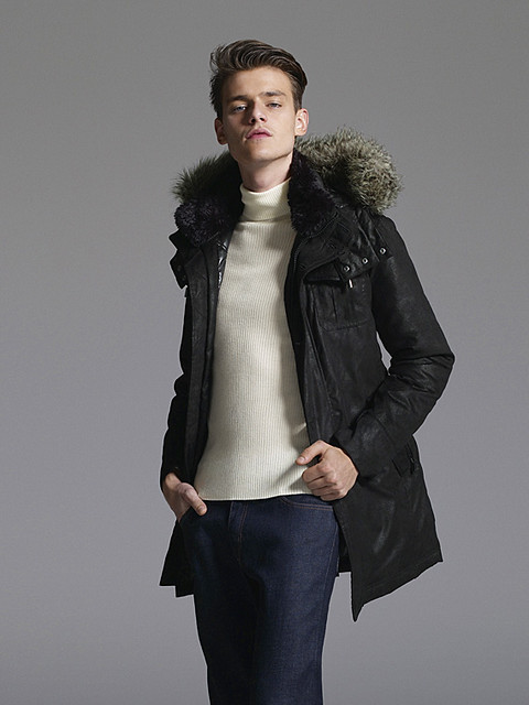 Douglas Neitzke0334_UNIQLO DOWN CAMPAIGN WINTER 2010(Official)