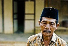 Something In His Mind (Batara) Tags: trip travel analog indonesia java fuji minolta east manual 2009 jawa timur x700 superhq pacitan nusantara batara nawangan gondang