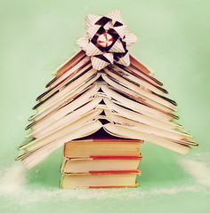 Keeping Christmas Real Simple ( suzanne) Tags: christmas reading library relaxing books bows hcs readingismagical